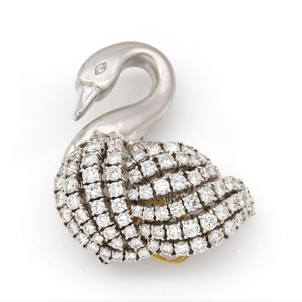 Diamond Swan Brooch in Gold