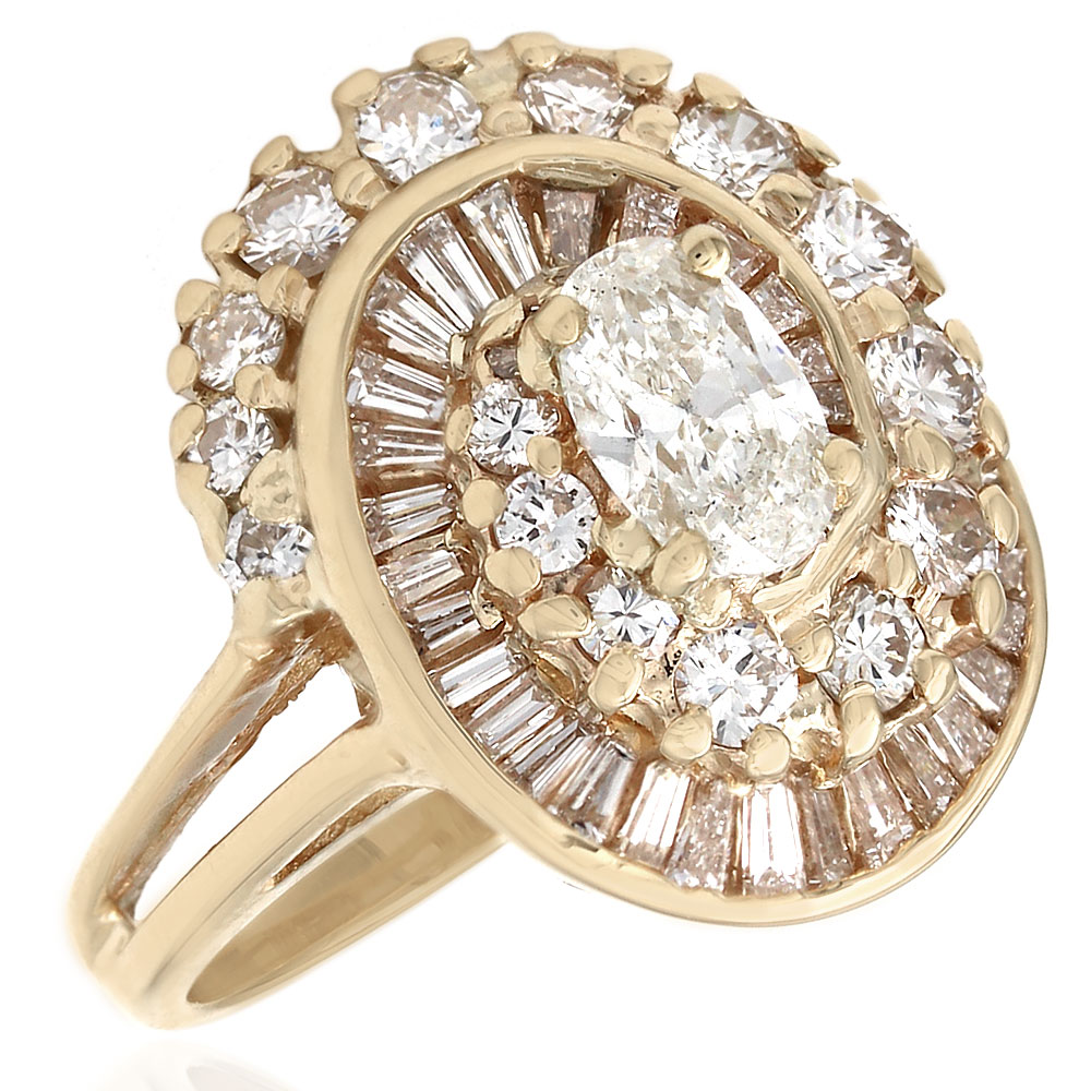 Oval Engagement Ring With Side Baguettes